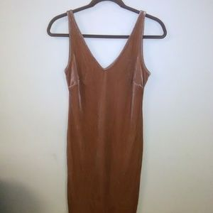 New Apricot suede Dress size. L